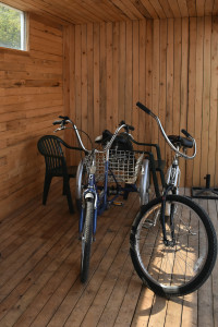 Kris-Fish-&-Chips-interior-bikes